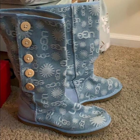 UGG Shoes - 💖UGG Denim LOGO Boots 💗 limited edition Size 6